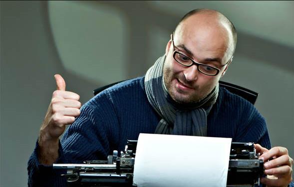 писатель пишет